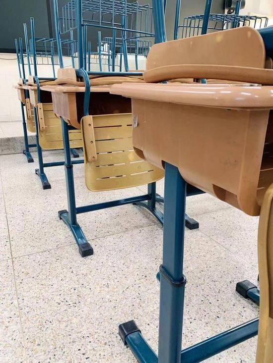 """500套""""禾田讲授""""学生用桌椅被召回 存划感冒险缩略图"""
