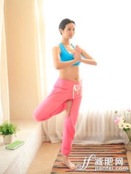 晨起9式瑜伽 让你消肿又塑形缩略图