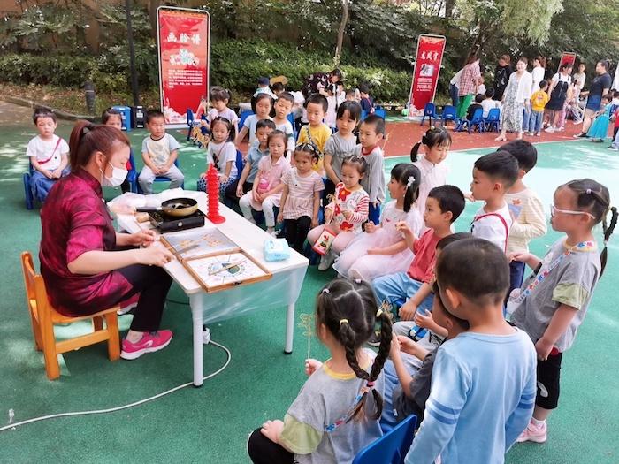 非遗文化、跳蚤市场、音乐剧,今天孩子们的欢愉是幼儿园给的缩略图