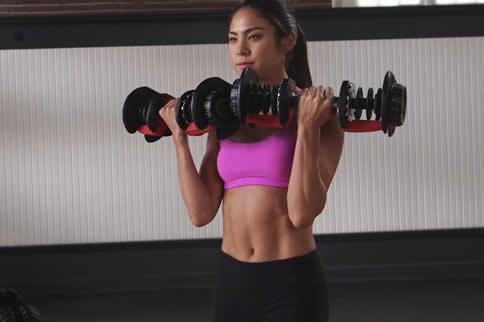 女生怎样瘦手臂肌肉 练出颀长胳膊缩略图