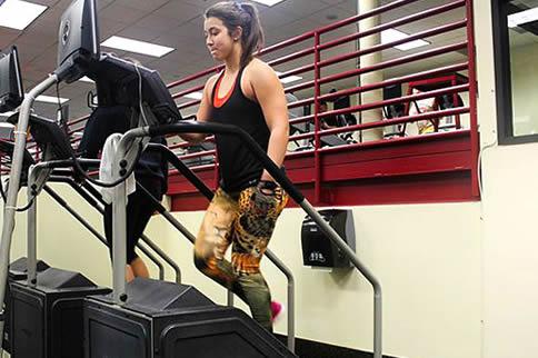 健身房楼梯机怎样用最准确