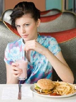 不吃晚饭减肥,减肥不吃晚餐